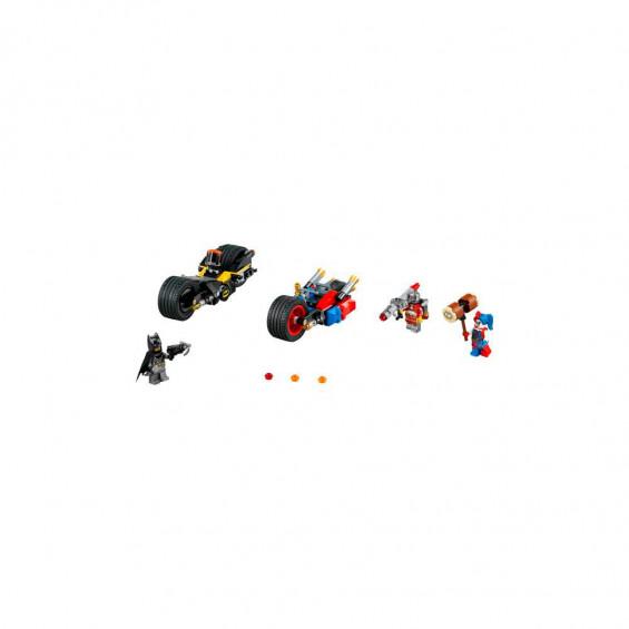 LEGO Comics Batman Persecución en Moto por Gothan City 76053